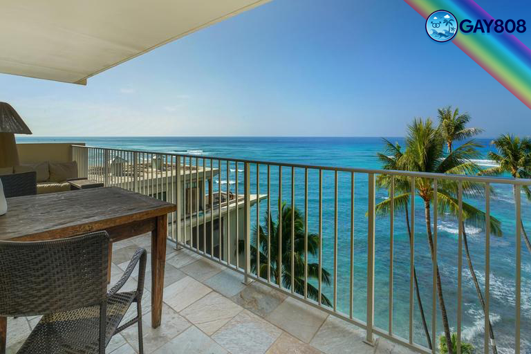 Oceanfront 1 Bedroom Suite w/Full Kitchen & Lanai